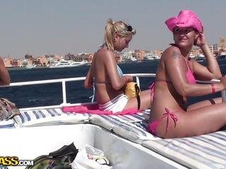 Русское домашнее порно со страпоном