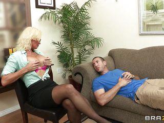 Баба с большими сиськами и мужик секс