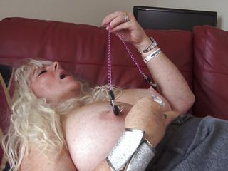 Порно зрелые соски